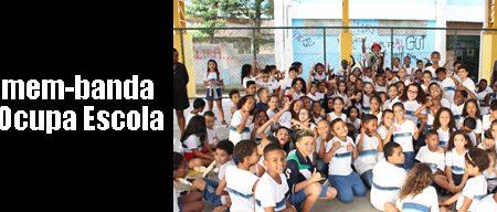 Homem-banda no Ocupa Escola Coelho Neto