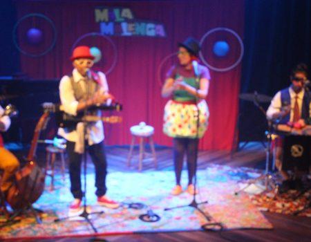 Show da banda Malamalenga no Centro Cultural Artur da Távola